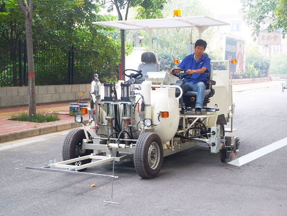driving type road marking machine