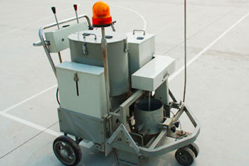 DY-SSTC Self-propelled two-component paint road marking machine 01